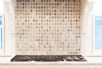 Beautiful Gas Cooktop and Tile Backsplash